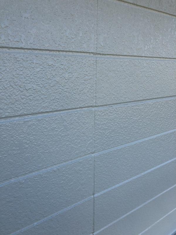 新規外壁部にパターンを吹き付け