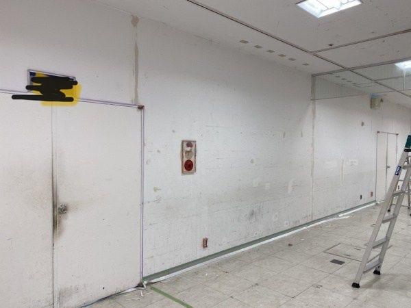 某デパート 共用部 壁塗装